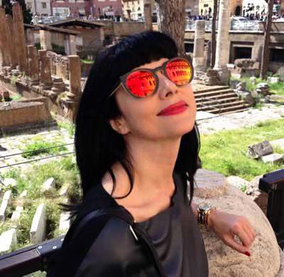 Leather Top MAJE y gafas de sol Sunboo